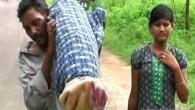 Eşinin cesedini 12 kilometre sırtında taşıdı