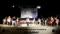 """KADIKÖY'DE ÇOCUKLAR """"BARIŞ"""" İÇİN ŞARKILAR SÖYLEDİ"""