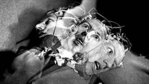 Kozmik savaşlar ve zihin kontrolü ile yönetilen Suikastçiler