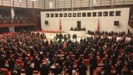 AKP, CHP ve MHP'li vekiller Erdoğan'ı ayakta karşıladı  HER ZAMAN YAPTIKLARI GİBİ HDP ayağa kalkmadı