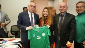 Spor Kulüplerine Başarılar Diledi