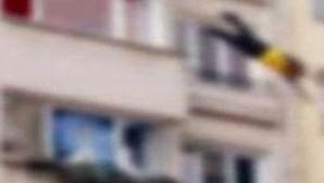 Emekli astsubay balkondan düşüp öldü!