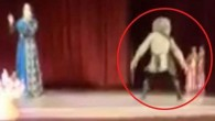 Sahnede öldü herkes gösteri sandı