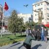 Atatürk Büstünü Kimse Kaldıramaz
