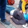 Bonzai Krizine Giren Genç, bayılarak kafasını yardı.