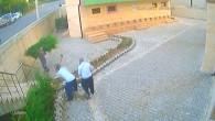Cami bahçesindeki 31 ağacı 12 dakikada kesip çaldılar…