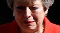 Gözyaşlarını tutamadı! İngiltere Başbakanı May istifa edeceğini açıkladı