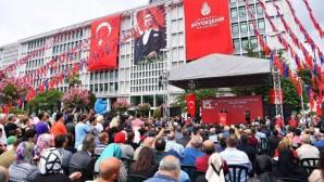 İBB binası önünde 15 Temmuz şehitleri anıldı