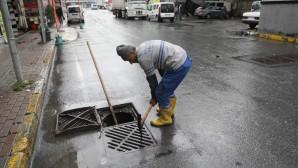 Eyüpsultan'da Yağmur Suyu Kanalları Temizleniyor