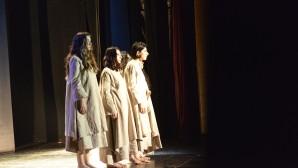 Maltepe Belediyesi'nden kadın cinayetlerine tiyatro oyunuyla tepki