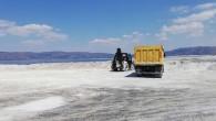 Salda Gölü'nün kumları kimlerin villalarına taşındı?
