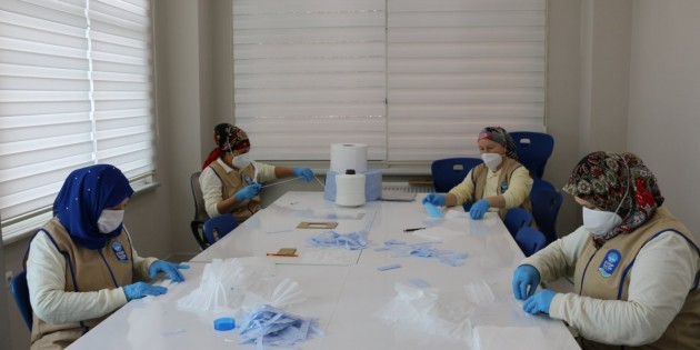 Eyüpsultan Belediyesi, Salgın Sürecinde Toplam 70 bin Maske Üretti