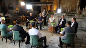 Başkan Deniz Köken, canlı yayında Eyüpsultanlılarla buluştu