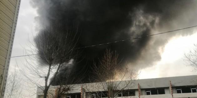 Arnavutköy Boğazköy de belediyeye ait şantiyede yangın çıktı