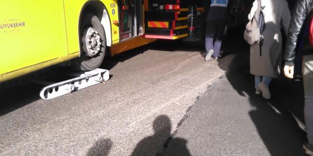 Metrobüs arıza yaptı yüzlerce kişi mağdur oldu.