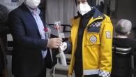 Bayrampaşa Ak Parti ilçe başkanı Ersin Saçlı sağlık çalışanlarının Bayramını Kutladı.