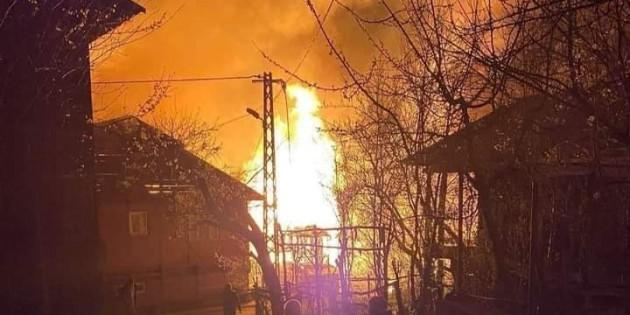 Kastamonu Pınarbaşı ilçesinde çıkan yangın can aldı.