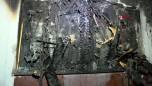 Gaziosmanpaşa'da bina girişindeki elektrik panosunda yangın çıktı: 12 kişiyi itfaiye kurtardı