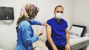 Gaziosmanpaşa İlçe Başkanı Fatih Aydemir, aşı oldu, herkesi aşıya davet etti