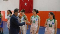 Eyüpsultan Yaz Spor Okulları'nda basketbol turnuvası heyecanı yaşandı