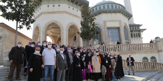 Ayasofya ve Taksim Camii gezilerine yoğun ilgi…