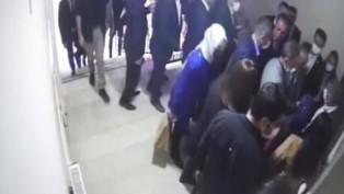 Ahmet Davutoğlu'nun asansörü bir kat aşağı düştü