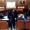 MEMLEKETE BAK HELE İBB Meclisi'nde Hazinedar protestosu
