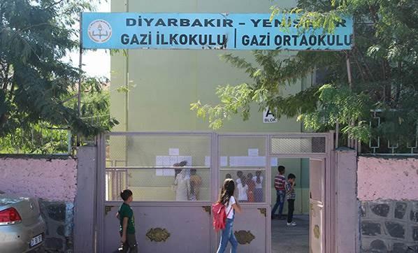 bazi-okullarin-idarecileri-goruntu-almaya-calisan-2399658