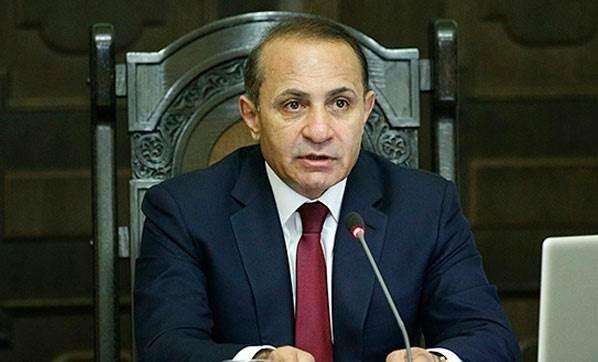 ermenistan-basbakani-istifa-etti-2384044