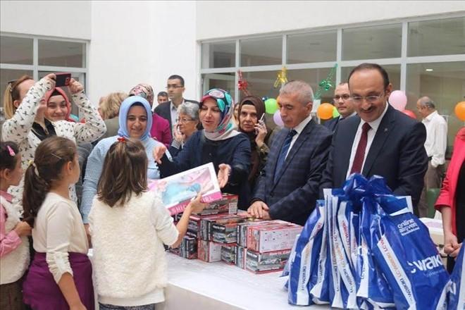 ak-parti-istanbul-il-kadin-kollari-sosyal-politikalar