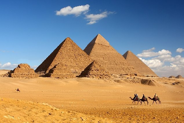 11-gize-piramitleri-misir