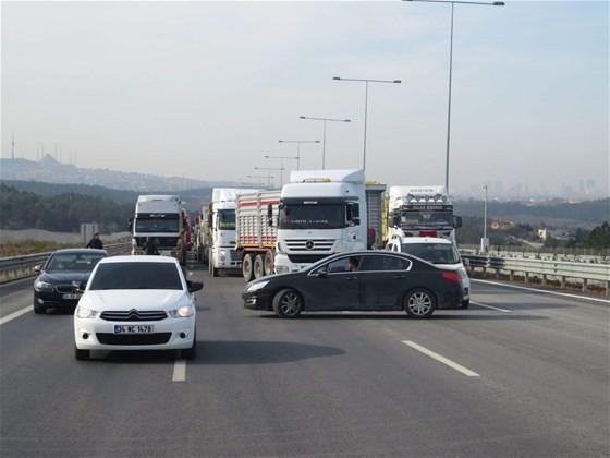 kamyoncular-yavuz-sultan-selim-koprusu-yolunda-eyl-2616268