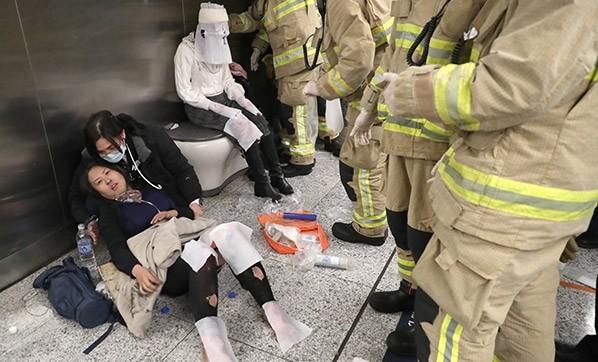 hong-kong-da-metroda-yangin-agir-yaralandilar-2691718