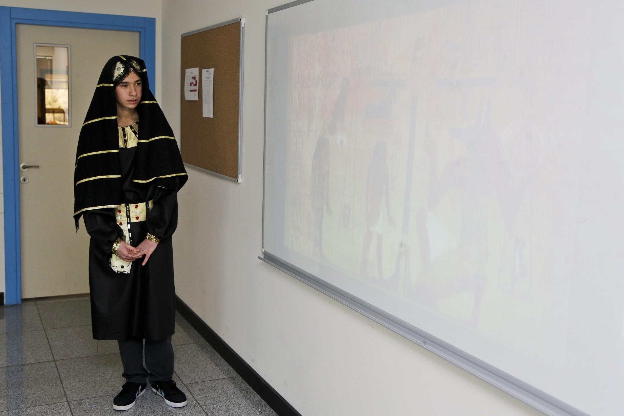 3renk koleji kostümlü tarih dersi anlatımı 24.02 (1)